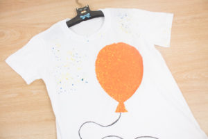 CÓMO DECORAR UNA CAMISETA CON PLASTIDECOR